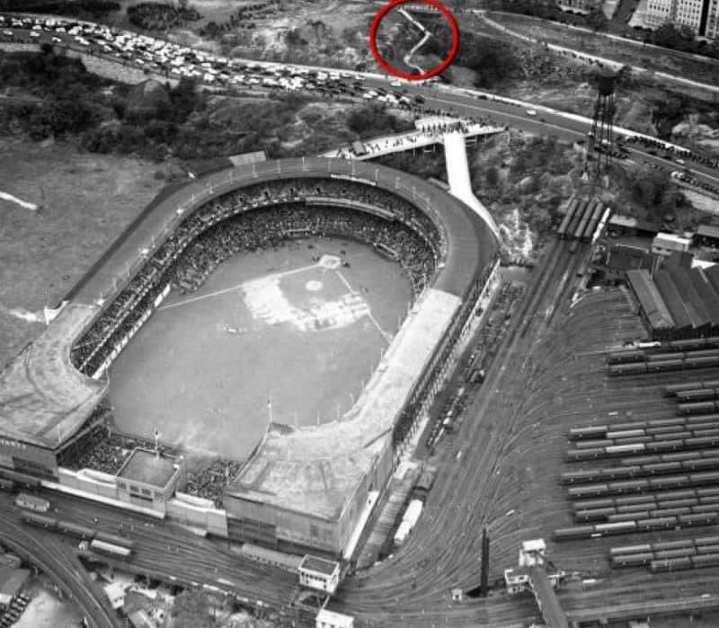 As mentioned previously, the John T. Brush Stairway (Edgecombe Ave and 158th/Manhattan) is about all that is left of the Polo Grounds. Thank you Steven Rice for posting this photo of the location of the stairway in relation to the ballpark. Other photo courtesy of Ben Hoexter https://t.co/omhEDFC9tU