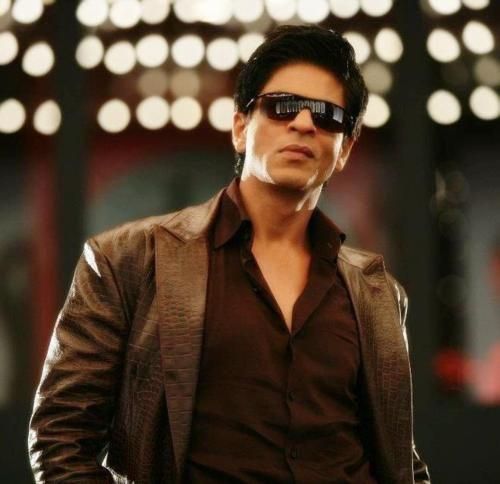 Promotion time now! Drop ur handles for promotion. **T&C apply👇  •Follow me first  •Rt this tweet •Send username of urself only •Hashtag #ShahRukhKhan with ur username mandatory  •💯% follow back compulsory to each followers   **Promotional video out tomorrow