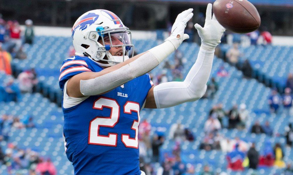 Los Buffalo Bills y el S Micah Hyde han llegado a un acuerdo para la extensión de su contrato. Firma hasta la temporada 2023 con la franquicia.  #NFL #BillsMafia #NFLTwitter