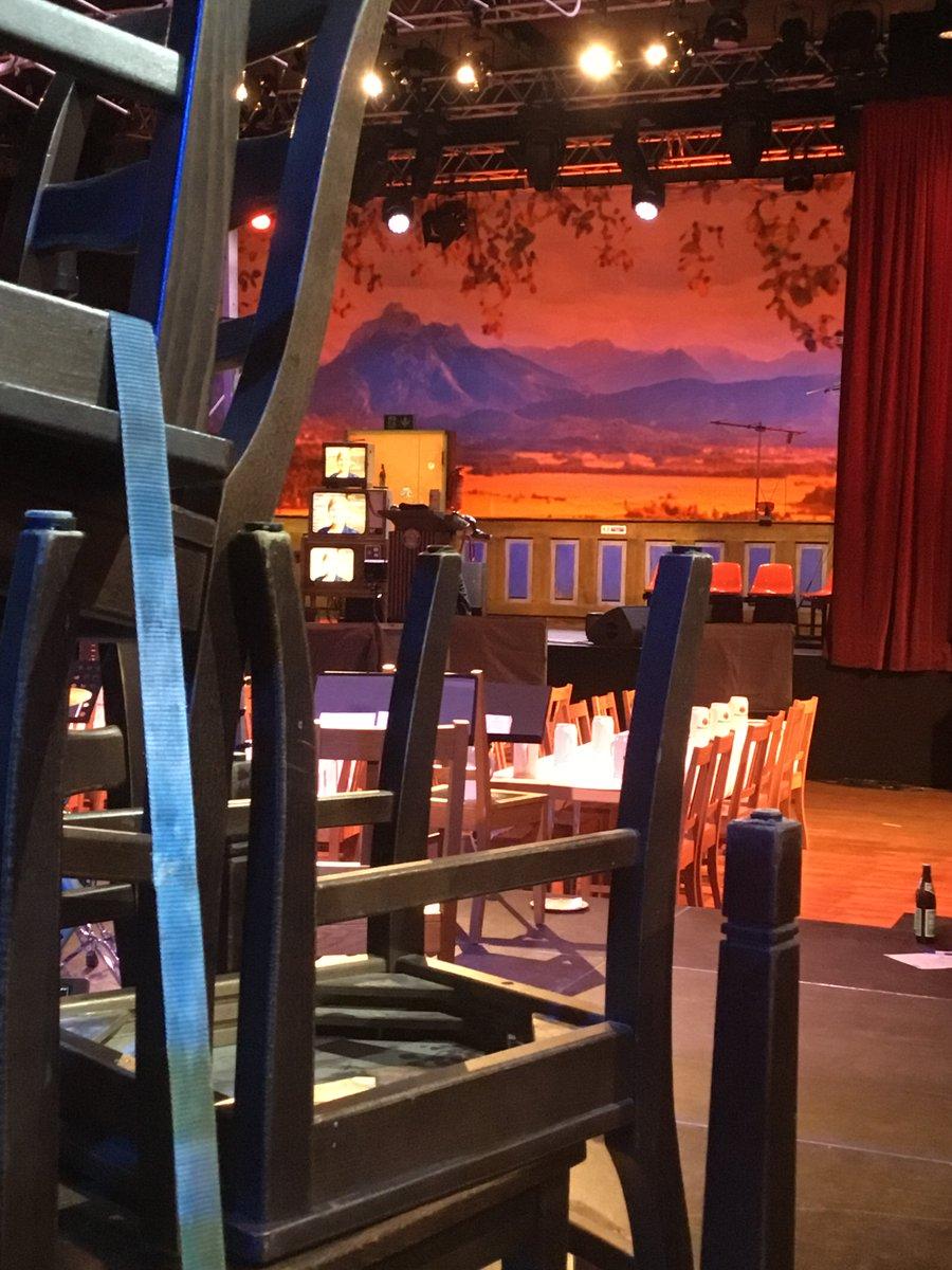 In einer Stunde geht's los – erster Blick auf die Bühne #Nockherberg21 #Paulaner #Salvator @BR24 https://t.co/PcT6SQMvoz