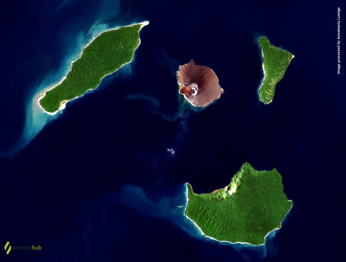 New cloudless image of #Krakatau caldera acquired today, 5 March 2021 by @CopernicusEU #Sentinel2 🛰 Images processed in @sentinel_hub #AnakKrakatau Vulcano🌋