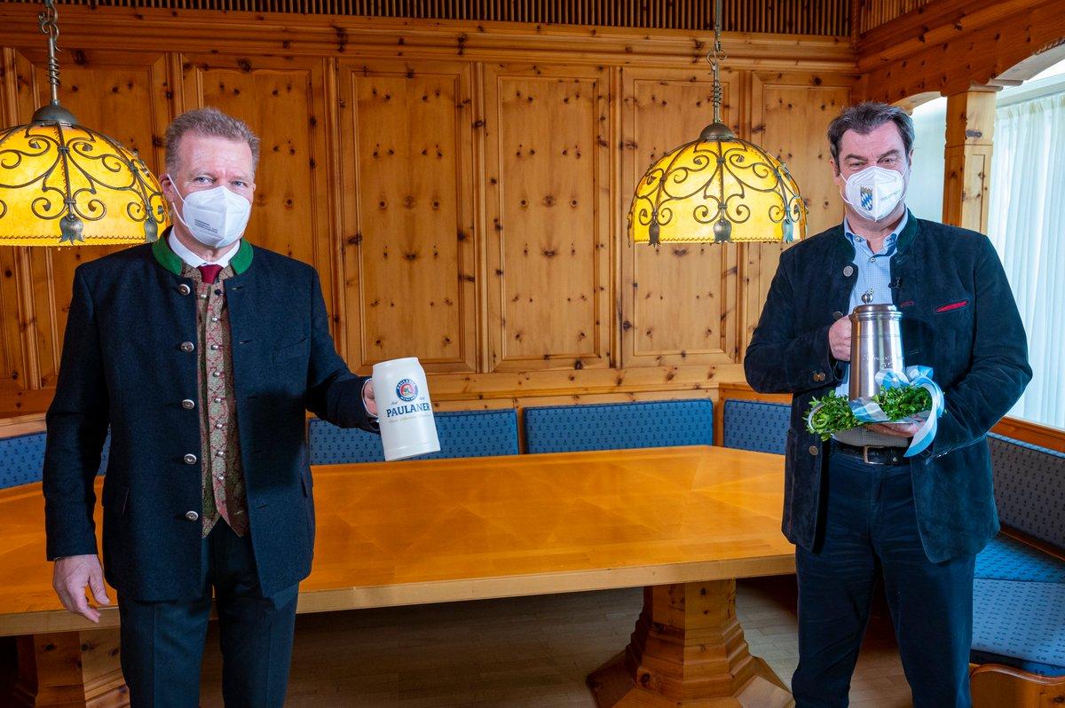 Auch bei der Salvator-Probe 2021 gibt es den ersten Schluck für den Bayerischen Ministerpräsidenten @Markus_Soeder #Nockherberg21 https://t.co/rJehiUaab0
