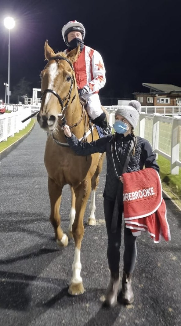 Absolute Dream gets back to winning ways. Well done to owner Steve & Glen Clayton. Enjoy