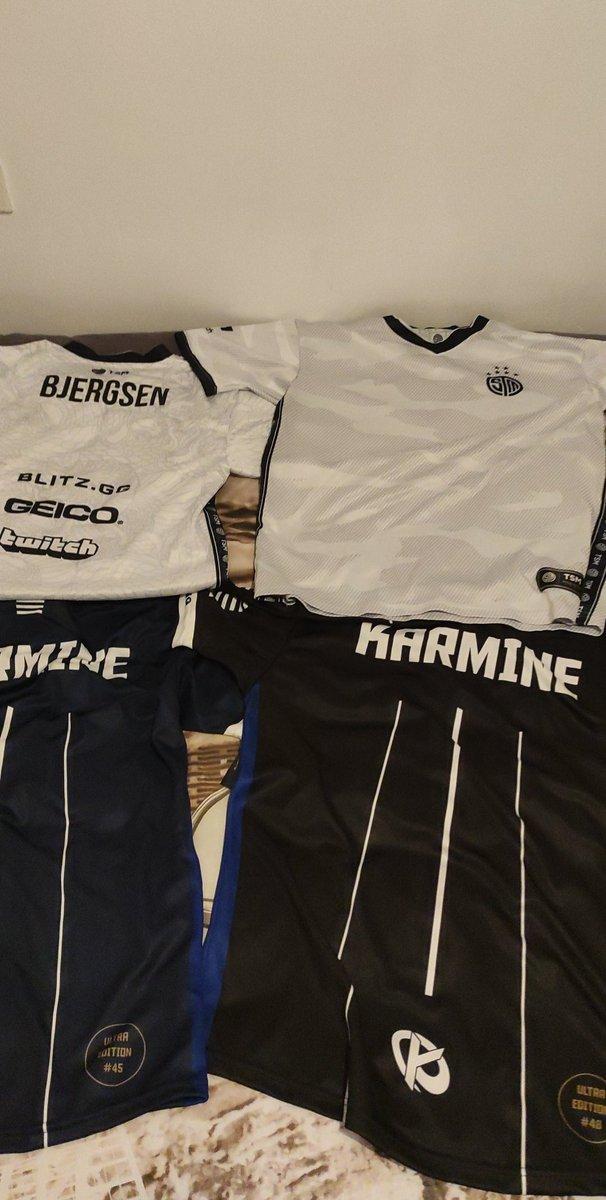 Enfin recu les maillots 45-48 #TSM #KCORP ils sont vraiment classes et de bonne qualité