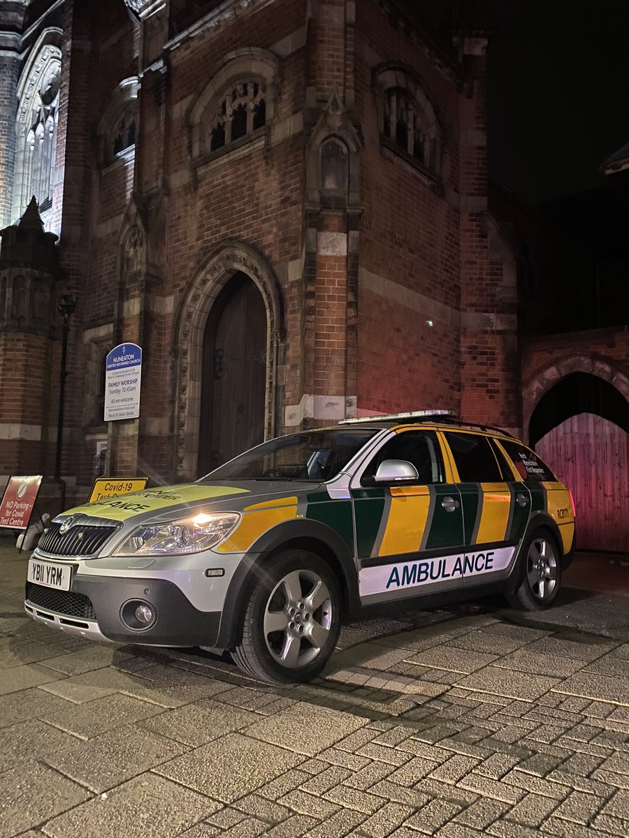 Out solo tonight providing some CFR cover for Nuneaton currently ,RC8171 in the town centre  , 1 of 2 cars booked on with the ambulance service for @NorthWarksFR  with our other car RC8150 in the north of the county #CFR #NWCFR #volunteers