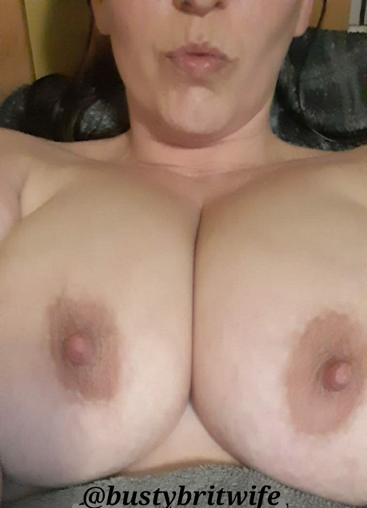 Back to merry old England again, land of the giant tits. Why just look at the pair on @bustybritwife -- couple of national treasures there.