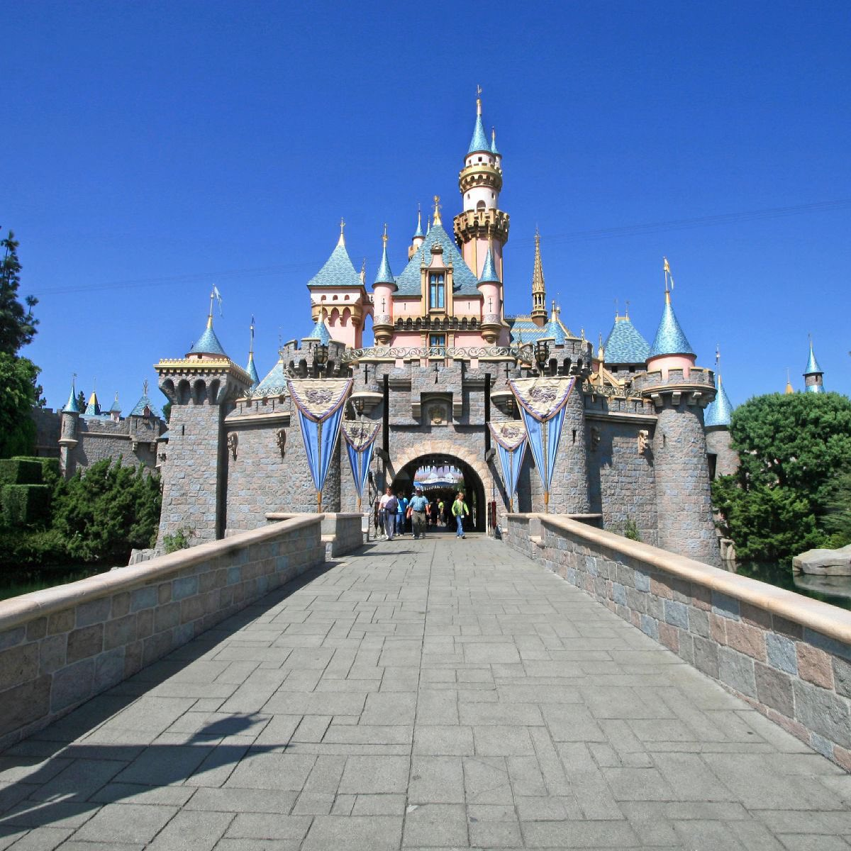 Disneyland, Universal and other California theme parks can reopen April 1 2021-click for more details ➡️  #disneyworld #waltdisney #disney #mickeymouse #wdw #magickingdom  #hollywoodstudios #Disneyfood #disneyland #Disneyland #disneycaliforniaadventure