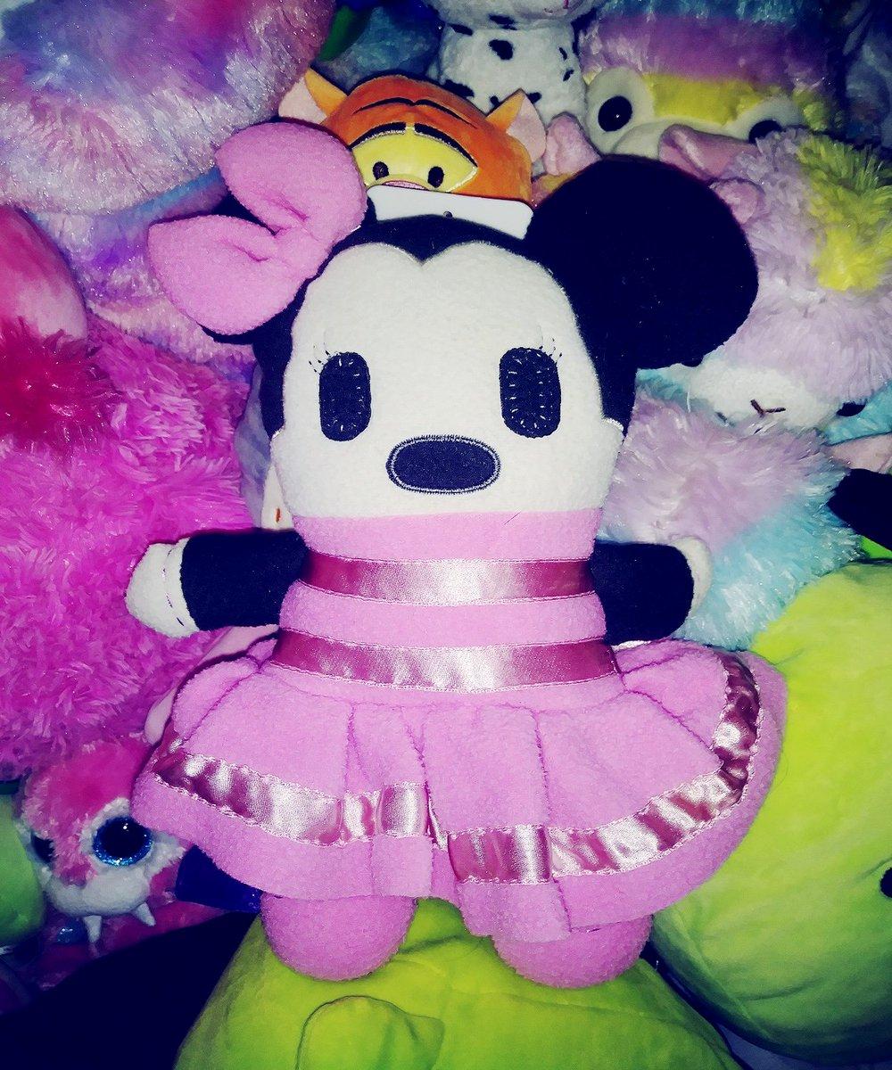 #disney #hellokitty #sanrio #minnie #minniemouse #toys #kidcore #plush #plushies  #rainbocorns #stuffedanimals