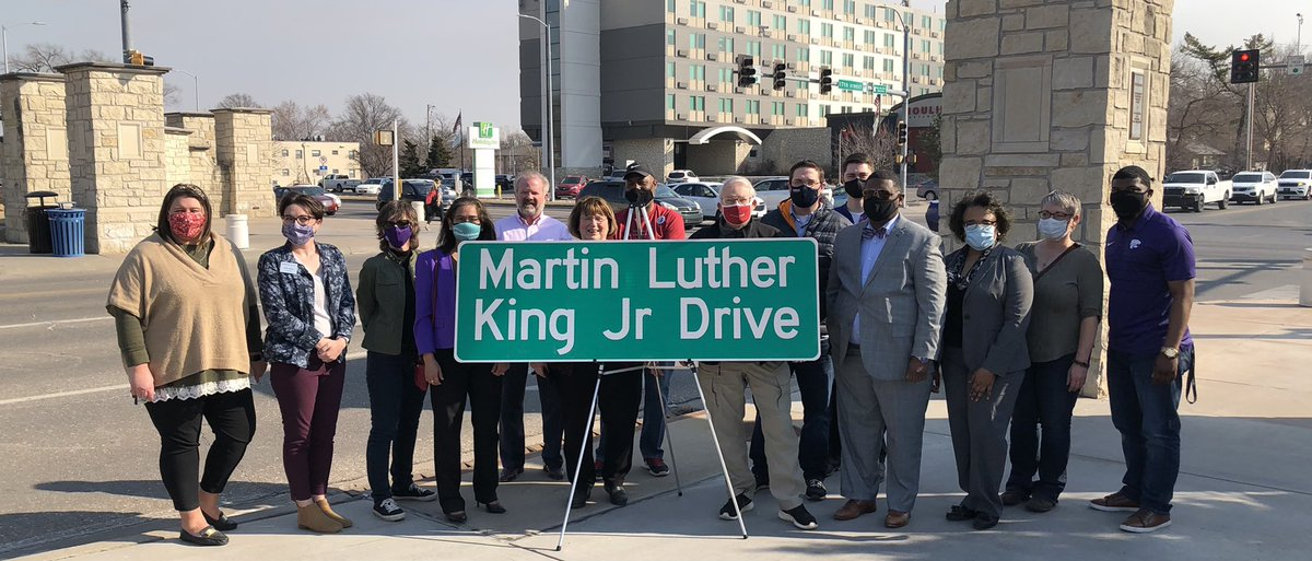 City of Manhattan changed 17th Street to Martin Luther King Jr Drive today. A historic significance since this was the path Dr. King walked to make his speech at K-State. ❤️💯@cityofmhk @KState @BerniceKing #mlk #martinlutherkingjr #lastspeech