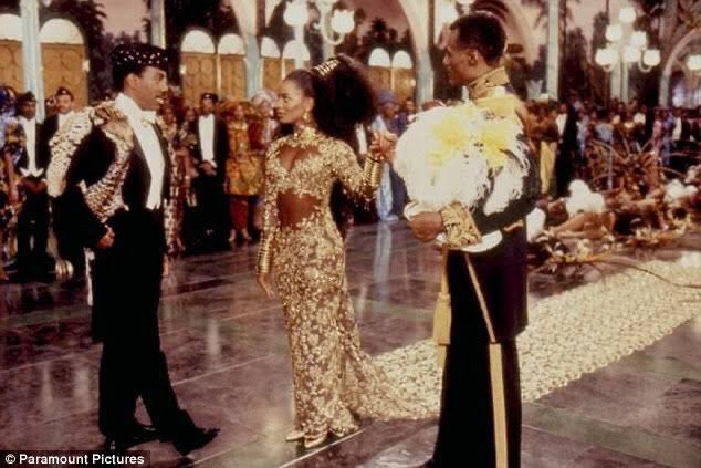 All these years later and she is still barking 😂😂😂😂😂😂😂 that was funny #ComingToAmerica2
