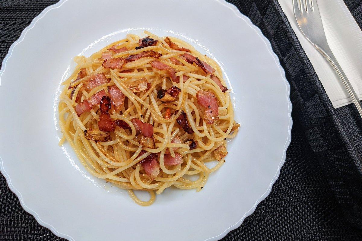 ささっと作ることが出来そう!お手軽簡単なペペロンチーノのレシピ!