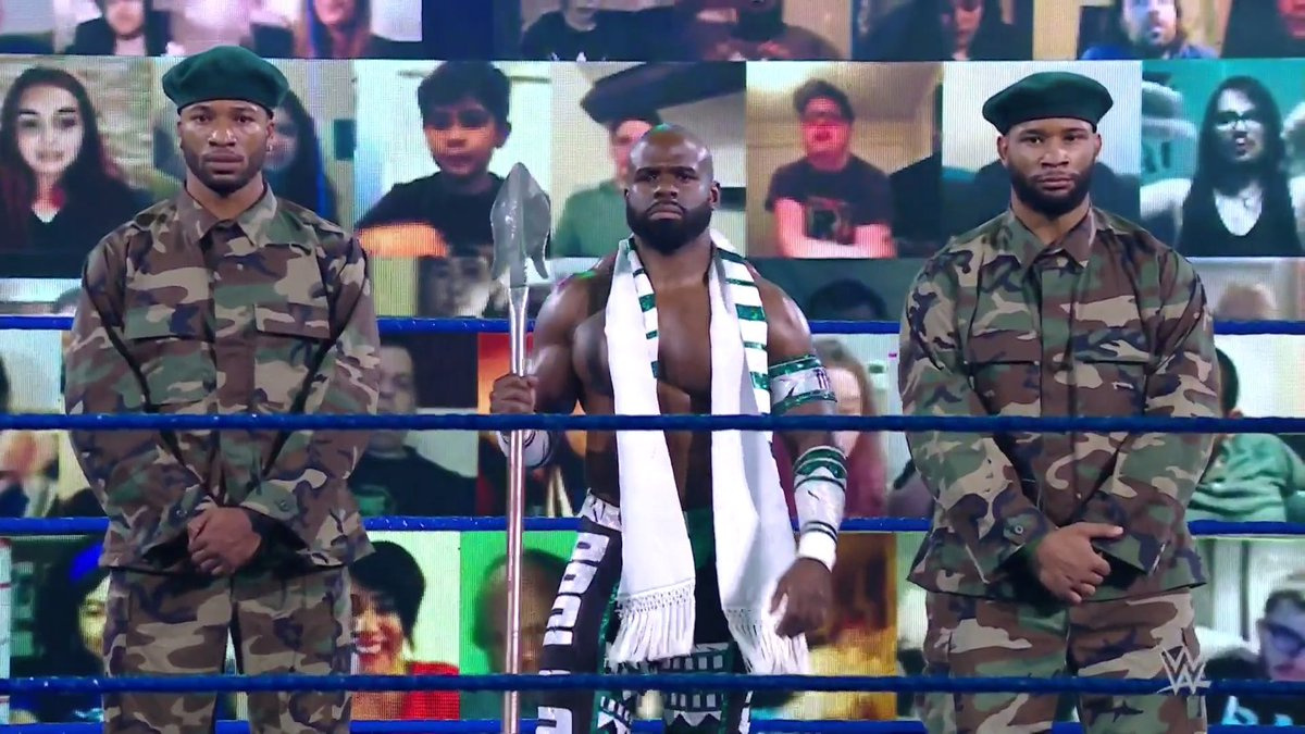 Apollo Crews is so f'n bad ass right now. #SmackDown