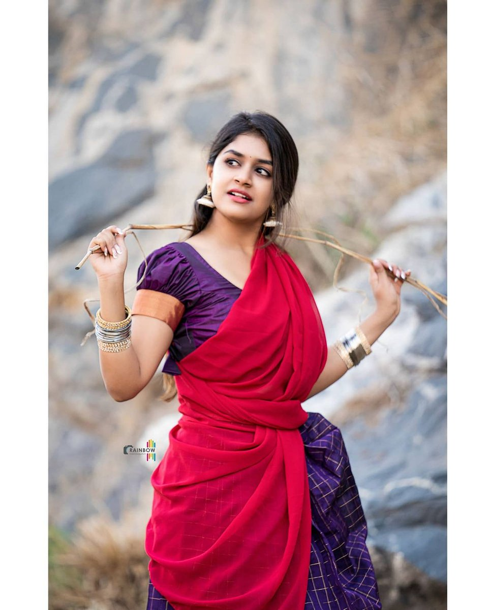 "NammaHeroines on Twitter: ""ಪಕ್ಕ ಹಳ್ಳಿ ಹುಡುಗಿ ಸಂಜನ #SanjanaAnand  @sanjanaa_anand #Heroine #KannadaHeroine #Salaga #WindowSeat #KannadaCinema  #TakeOneCinemazz #NammaHeroines… https://t.co/u19S7SjGuM"""