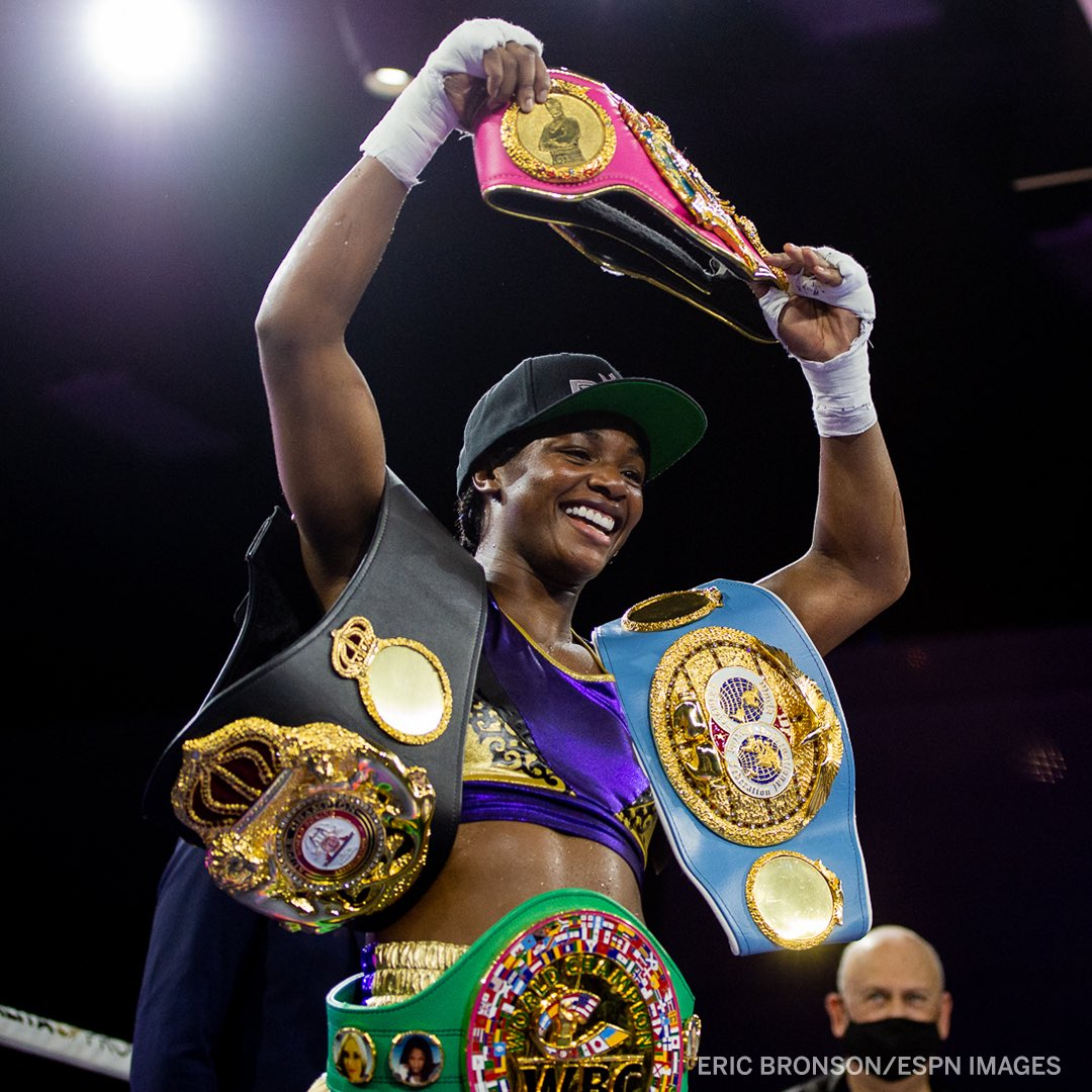 History Made! 🏆🏆   @ClaressaShields becomes the first boxer (male or female) to become undisputed champion in two divisions in the four-belt era. https://t.co/KdhUA4Ba9c