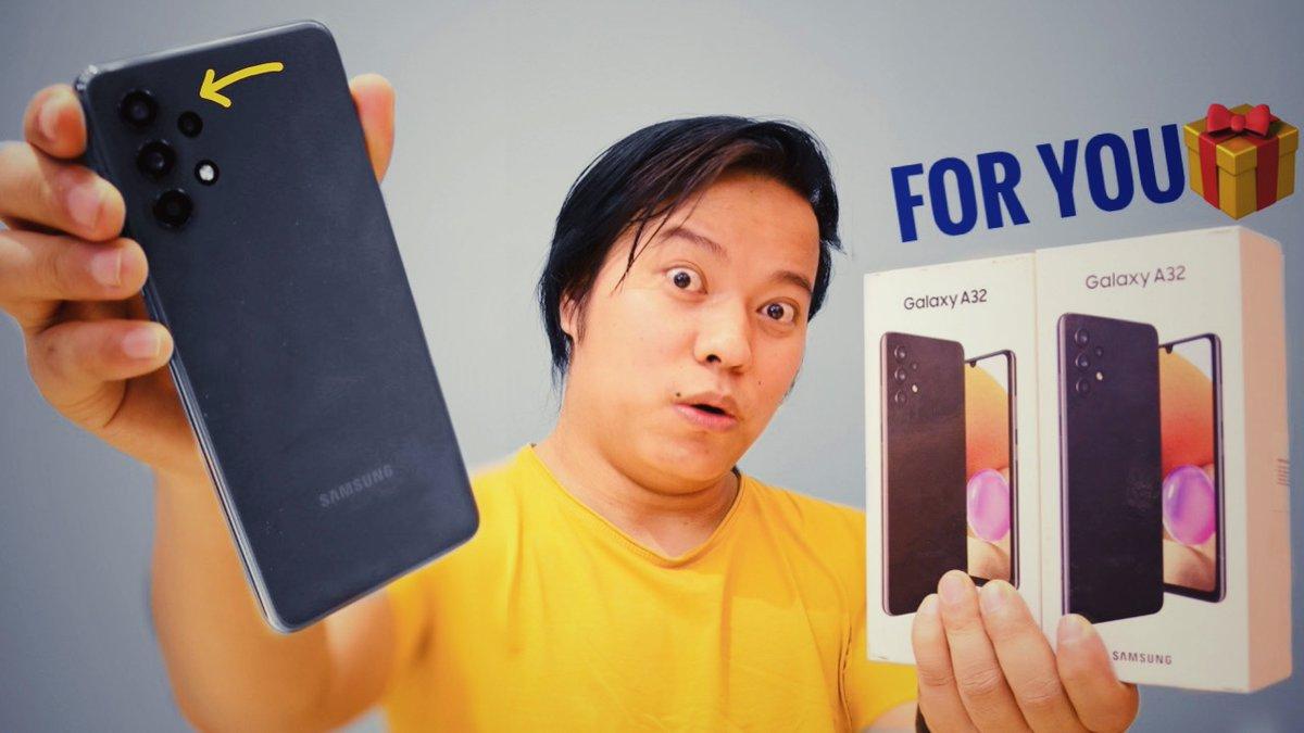 Alright Guys to Mere Pass Hai Brand New #SamsungGalaxyA32 Smartphone aur is video mein iska #giveaway Kar raha hu Participate Karna mat Bhulna !!   Link :   Don't forget to Like & Retweet !!!