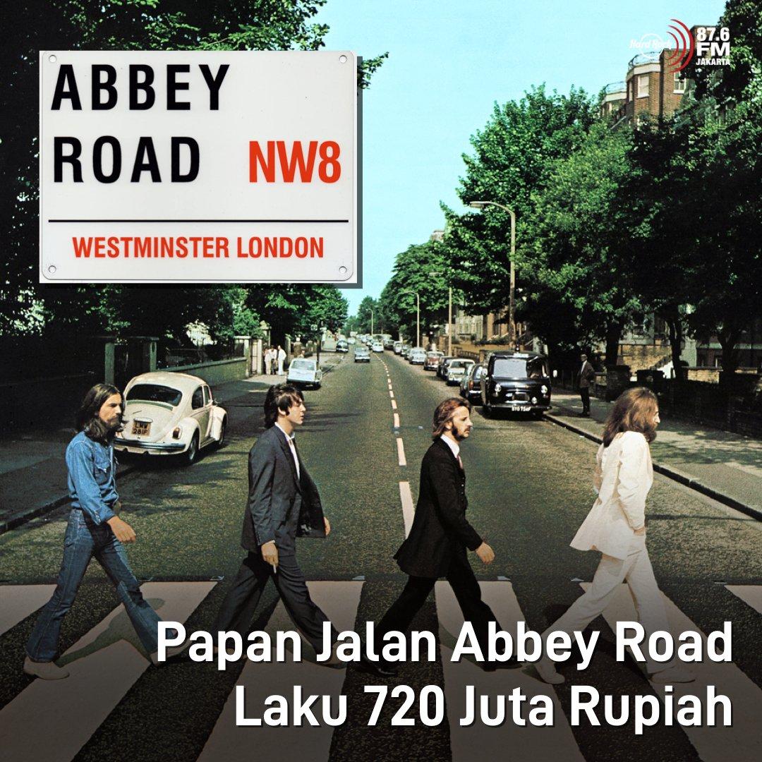 #HRFMNews Setelah buka lelang dg harga 168 juta pada akhir Februari, kini papan jalan legendaris Abbey Road The Beatles terjual seharga 720 juta  Ga heran bisa mahal bgt, karena sekitar tahun 1960an, band rock legendaris itu merekam sekitar 90 persen lagunya di Abbey Road Studios