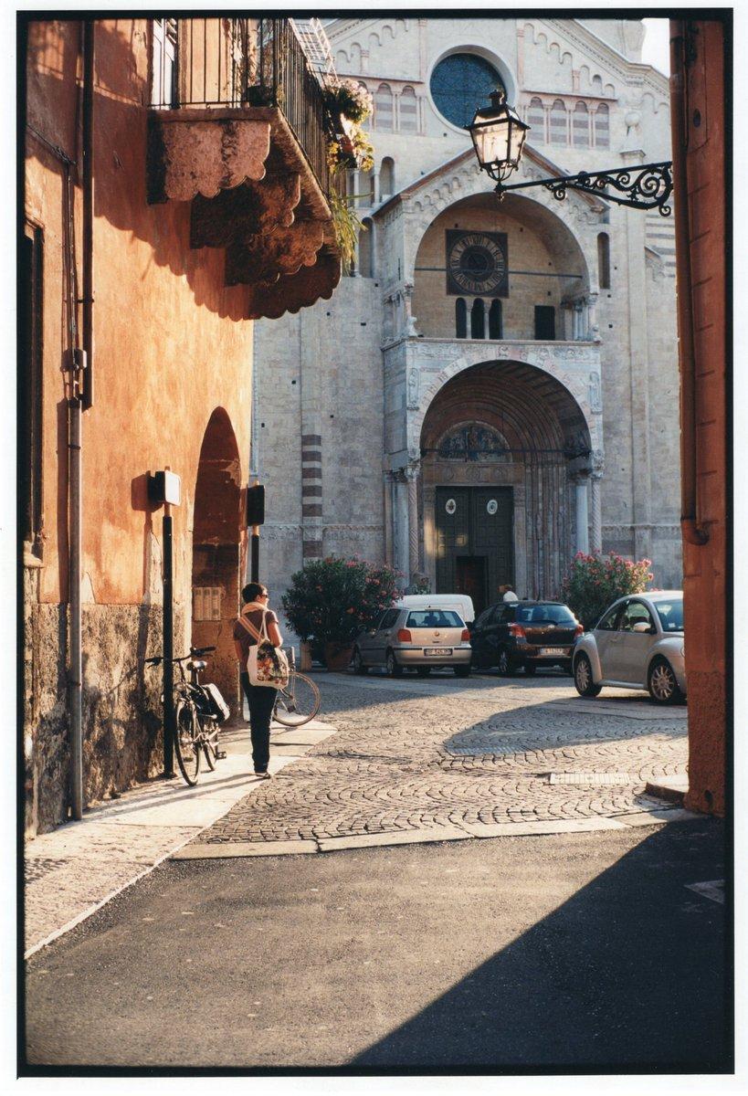 Morning in Verona. #photography #photo #leica #leicamp #summicron35asph #kodakportra