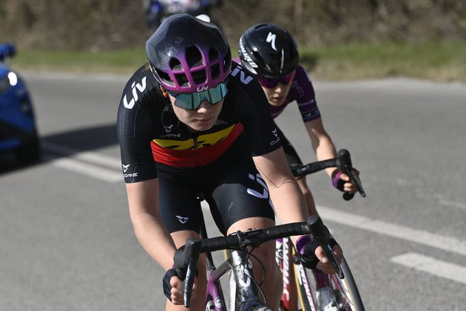 EvyqdF WEAEdLlX?format=jpg&name=small - Chantal Blaak se lleva la Strade Bianche femenina 2021
