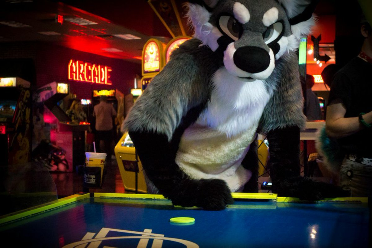 #FursuitFriday paws help with air hockey.
