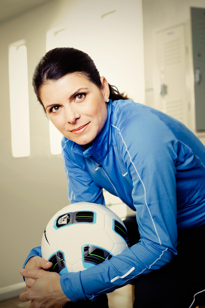 Hey, Crushss! @trishapocalypse here with my next #WomensHistoryMonth #CrushOfTheWeek nomination - a true legend, Mia Hamm! Vote for her later in our next #LegendsOnly #CrushOfTheWeek poll! #MiaHamm #USWNT #COTW