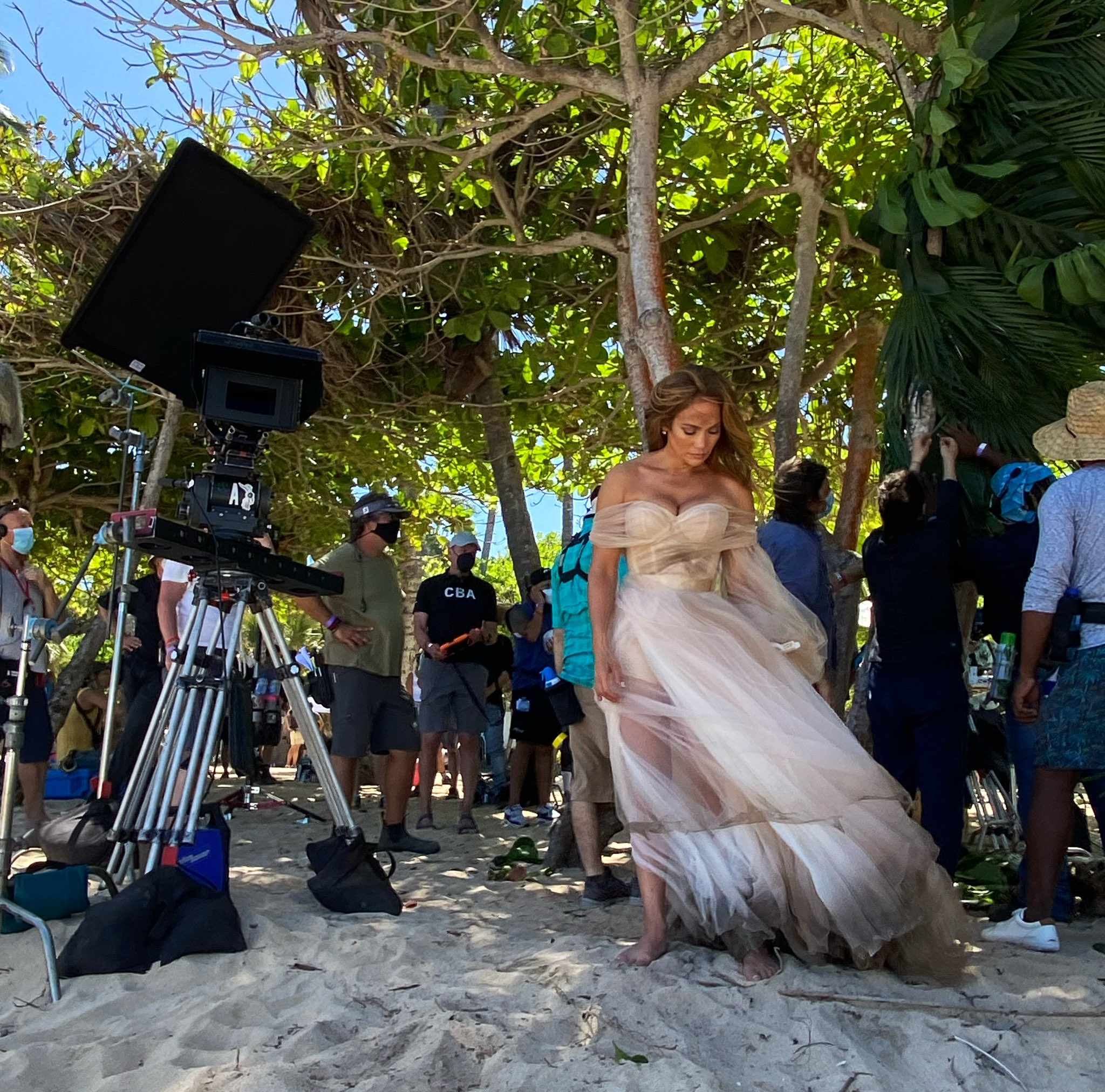 Jennifer Lopez - Σελίδα 8 Ew2fABnVIAcrt_6?format=jpg&name=large