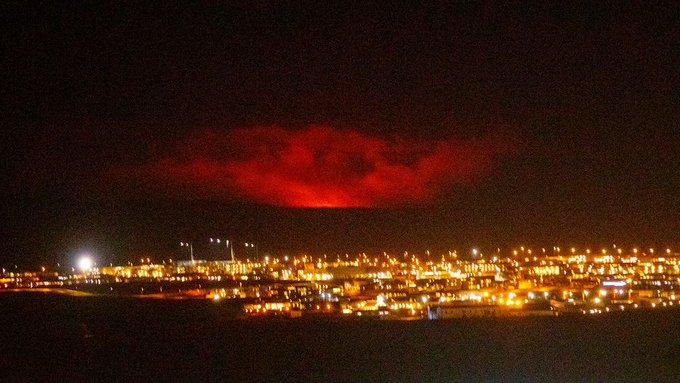 VIDEO: Nakon 40 hiljada potresa na Islandu eruptirao vulkan, zatvoren zračni promet