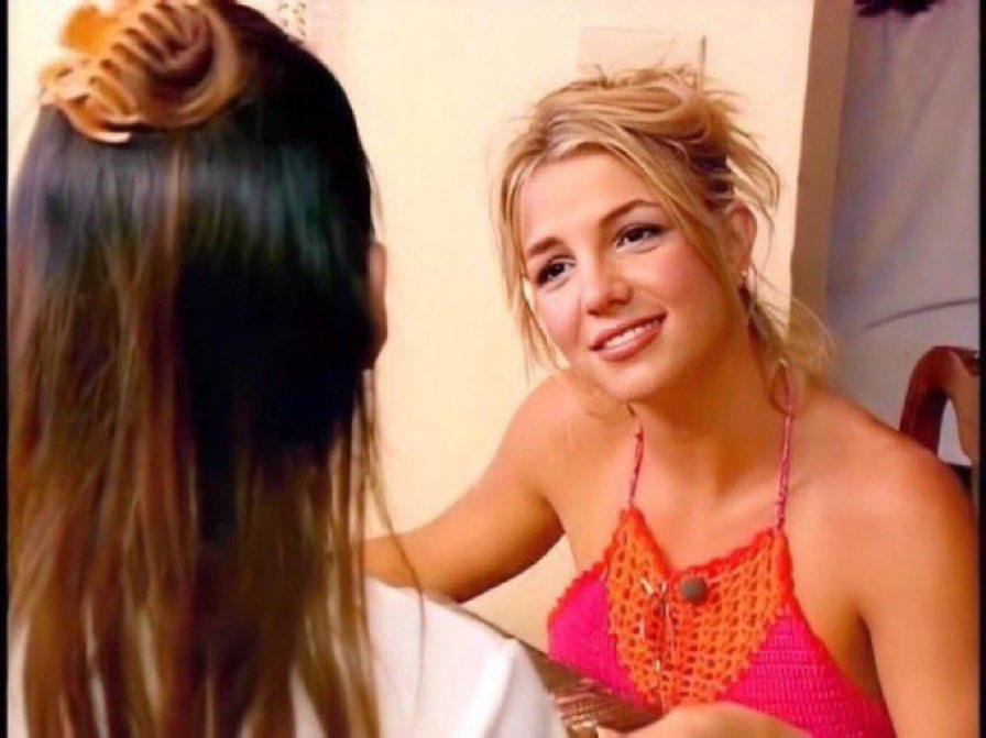 rachael how are you gonna ask michelle about her date and then when she tells you, you start crying?!! #thebachelor #TheBachelorABC