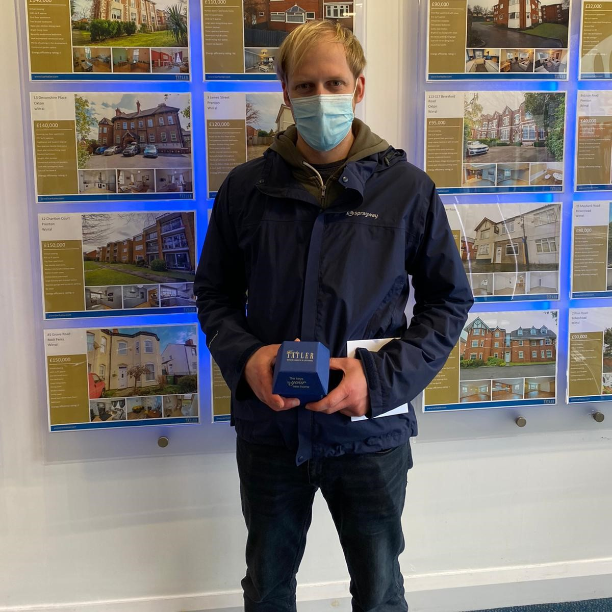 Another happy buyer picking up his keys from our Prenton Branch! Congratulations we wish you all the best in your new home💙 . Looking to buy your first or next home on the Wirral? Call Team KT! . #karltatler #estateagents #wirral #newhome #newkeys #completion #happy #property