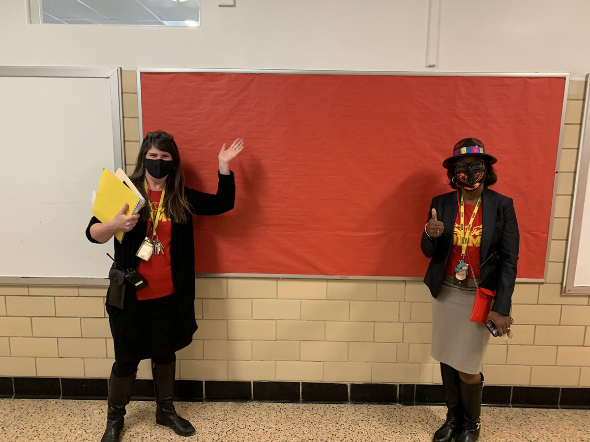 RT <a target='_blank' href='http://twitter.com/APSVirginia'>@APSVirginia</a>: Great to welcome more student back this morning. Thumbs up <a target='_blank' href='http://twitter.com/DHMiddleAPS'>@DHMiddleAPS</a>! 📚✏️<a target='_blank' href='http://search.twitter.com/search?q=ForwardTogetherAPS'><a target='_blank' href='https://twitter.com/hashtag/ForwardTogetherAPS?src=hash'>#ForwardTogetherAPS</a></a> <a target='_blank' href='https://t.co/2I7RkA26XB'>https://t.co/2I7RkA26XB</a>