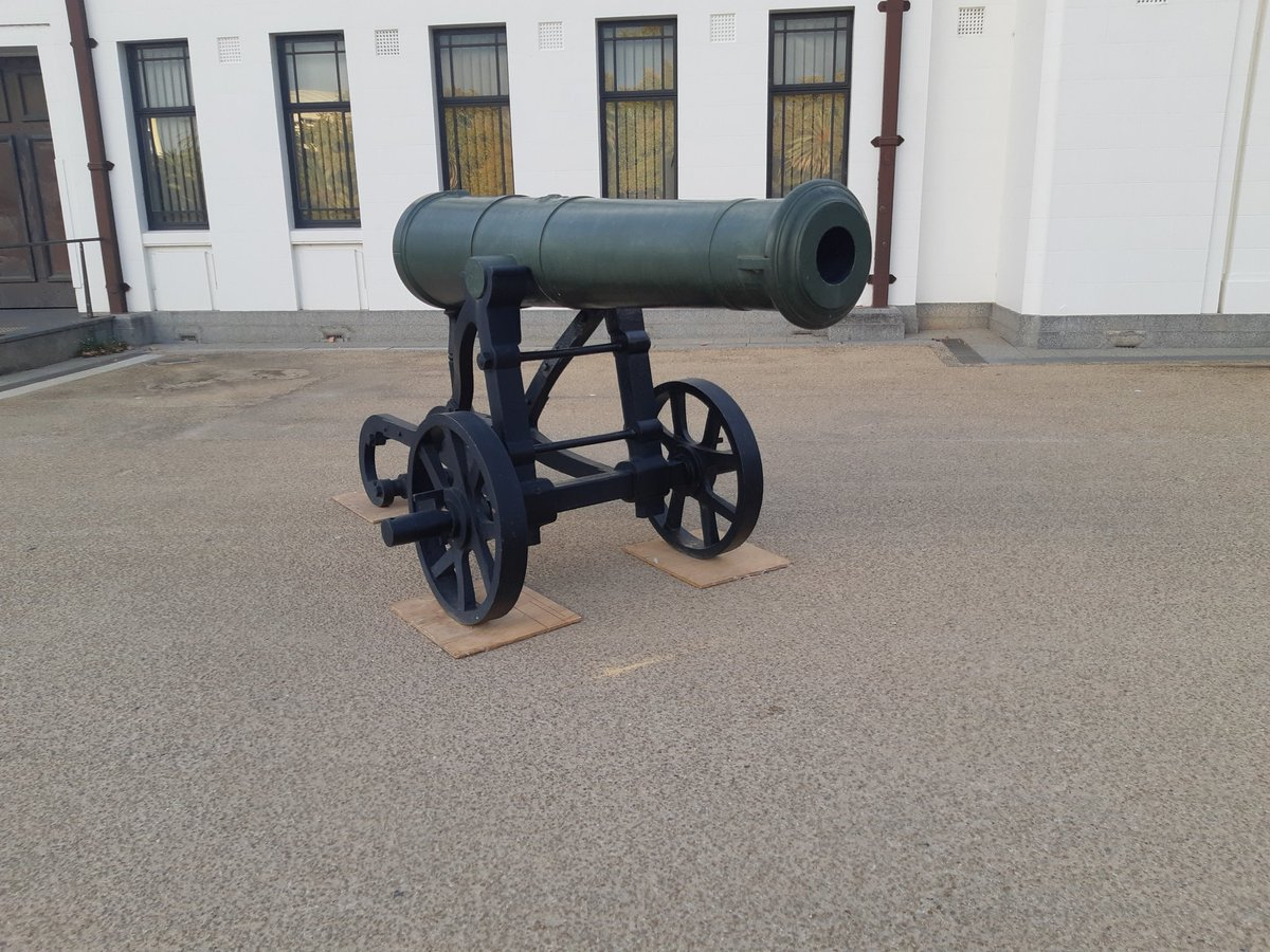 test Twitter Media - The Crimean War cannons at the Torrens Parade Ground will be put into storage while drainage repairs are made to the Torrens Training Depot building. https://t.co/PbgoQx9hf7