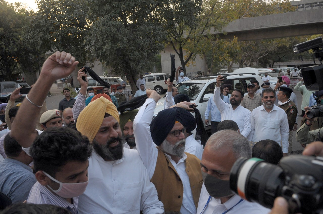 Days after Shiromani Akali Dal raised voice in support of farmers outside Haryana Assembly, FIR registered against SAD MLAs including Bikram Singh Majithia, Sharanjit Singh Dhillon.