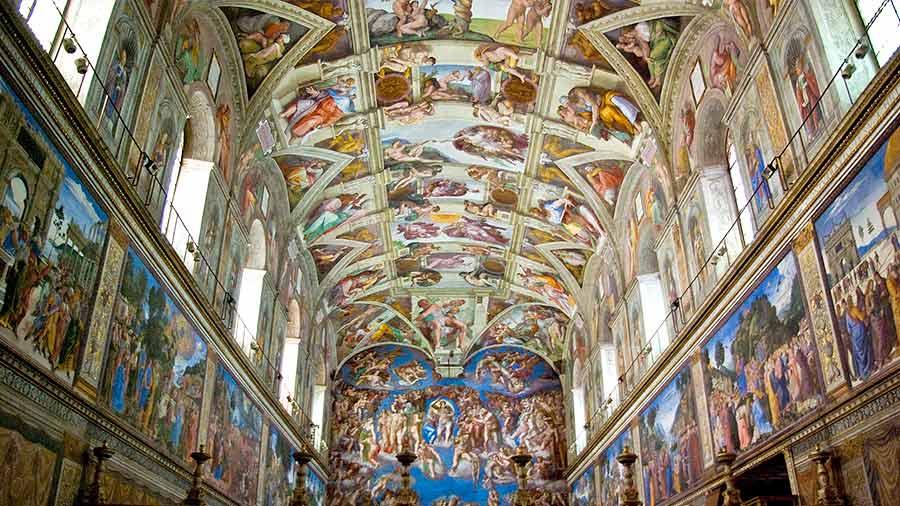 Se trata de una época influida por el #humanismo, dando el mensaje de la salvación a través de obras como #Los frescos de la #CapillaSixtina.