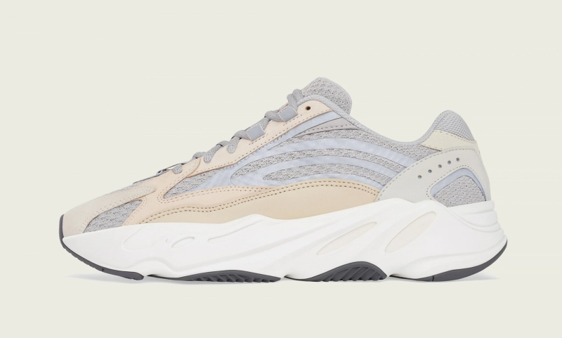 43Einhalb online raffle live for the Adidas Yeezy Boost 700 V2