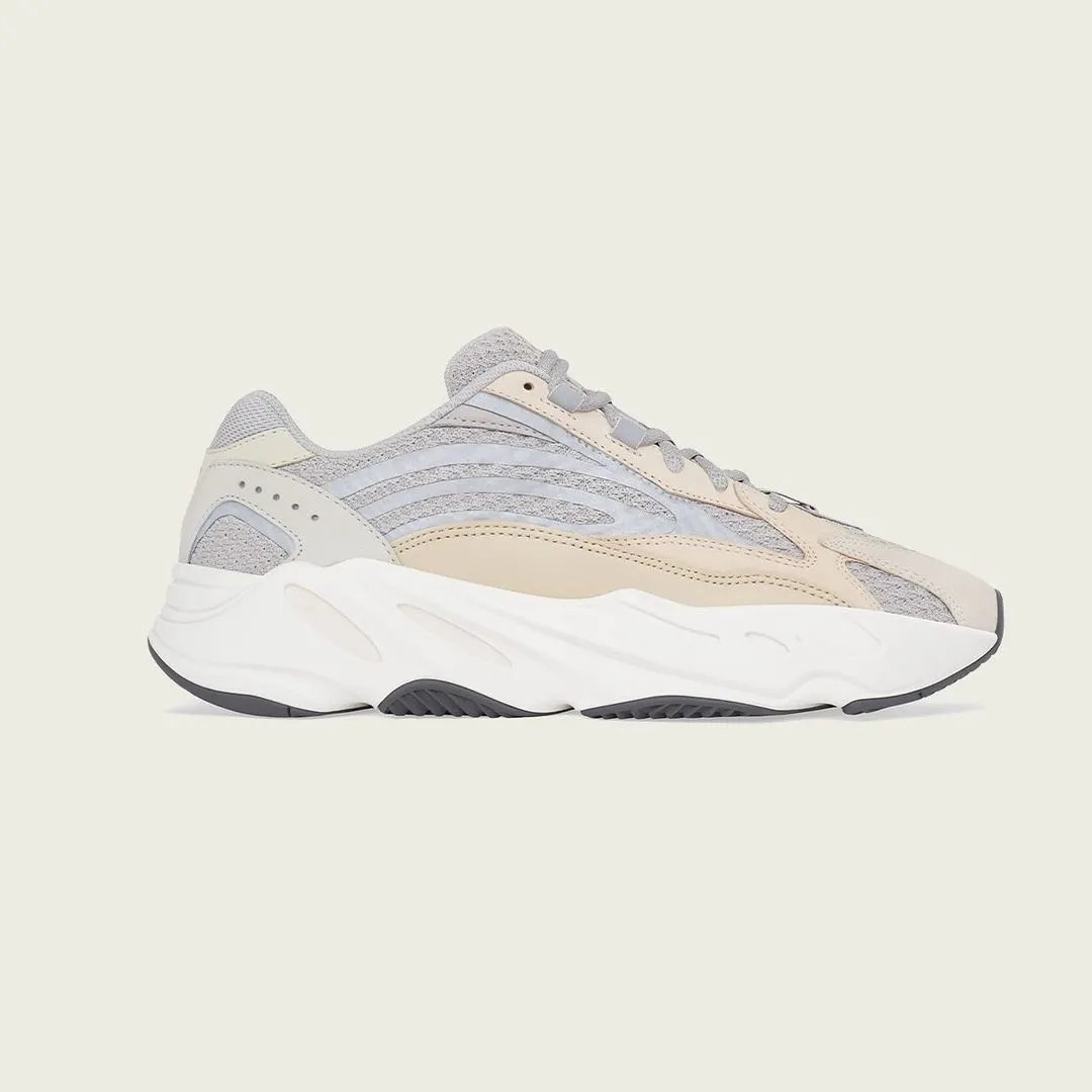 Suede-Store online raffle live for the Adidas Yeezy Boost 700 V2