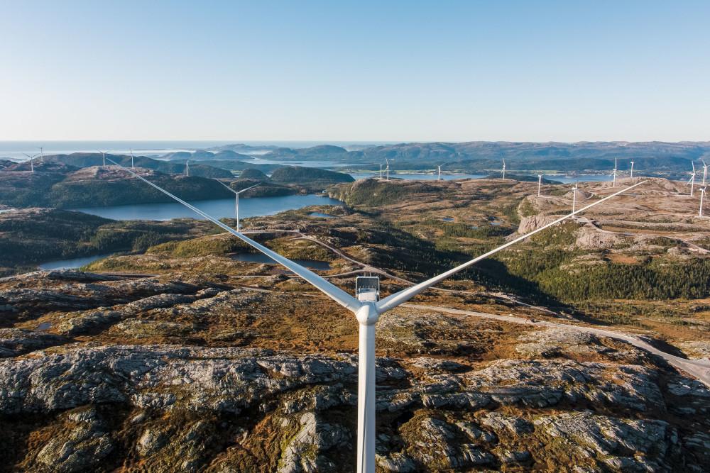 Storheia og Roan vindparker leverte 20 prosent av all vindkraftproduksjon i Norge https://t.co/6qPHx31xRj https://t.co/hrjAe7w5kH