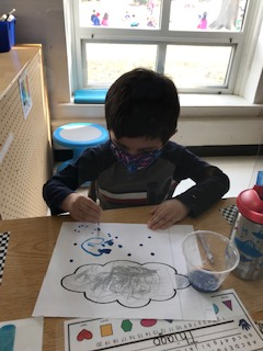 We learned about different types of weather this week and what to wear as the weather changes! <a target='_blank' href='http://twitter.com/BarrettAPS'>@BarrettAPS</a> <a target='_blank' href='http://twitter.com/APS_EarlyChild'>@APS_EarlyChild</a> <a target='_blank' href='http://twitter.com/APSVirginia'>@APSVirginia</a>  <a target='_blank' href='http://search.twitter.com/search?q=KWBPride'><a target='_blank' href='https://twitter.com/hashtag/KWBPride?src=hash'>#KWBPride</a></a> <a target='_blank' href='http://search.twitter.com/search?q=ForwardTogetherAPS'><a target='_blank' href='https://twitter.com/hashtag/ForwardTogetherAPS?src=hash'>#ForwardTogetherAPS</a></a> <a target='_blank' href='https://t.co/afWy48FOsz'>https://t.co/afWy48FOsz</a>