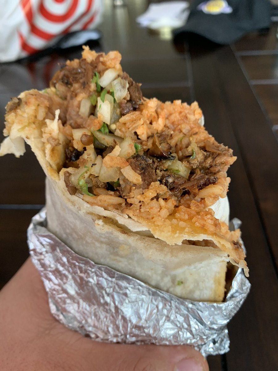 Al Pastor Burrito 🌯 from Taqueria Hoy! 🤤🤤🤤🚀🚀🚀🚀 https://t.co/RawRidcDIo