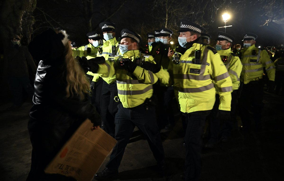 EwYrQmbXEAIWZsH?format=jpg&name=medium - Policing - a perpetually problematic issue