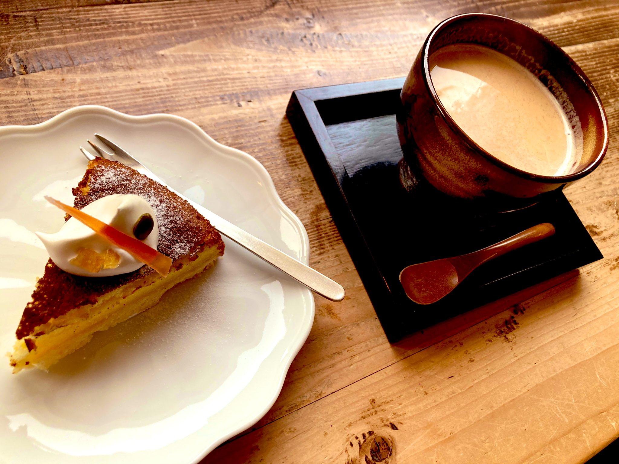 レモンチーズケーキとホットチャイ