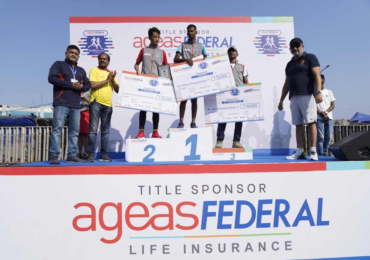 A big thank you to @sachin_rt for inspiring everyone to kickstart their fitness journey, and to all the runners for making the @AgeasFederal Kolkata Full Marathon a roaring success! You all are truly #FutureFearless, and may you continue to chase bigger milestones. https://t.co/Yy8RQKjLq7