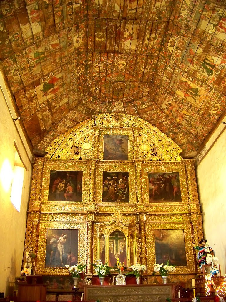 Los hechos ocurridos a una semana en #Nurio, debieran alertar la preservación de otras joyas arquitectónicas, como es el caso del templo principal de #Tupátaro, #Michoacán, casa de la #CapillaSixtina de América Latina.