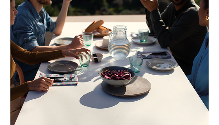 As @CaesarstoneUK launches its new Outdoor Collection, we catch up with Jon Stanley to hear about the inspiration behind the range, and how it's even been tested for resistance to bird lime 👉 ow.ly/T9Uw50DXrgE #kbb #kbbindustry #kitchendesign #gardendesign