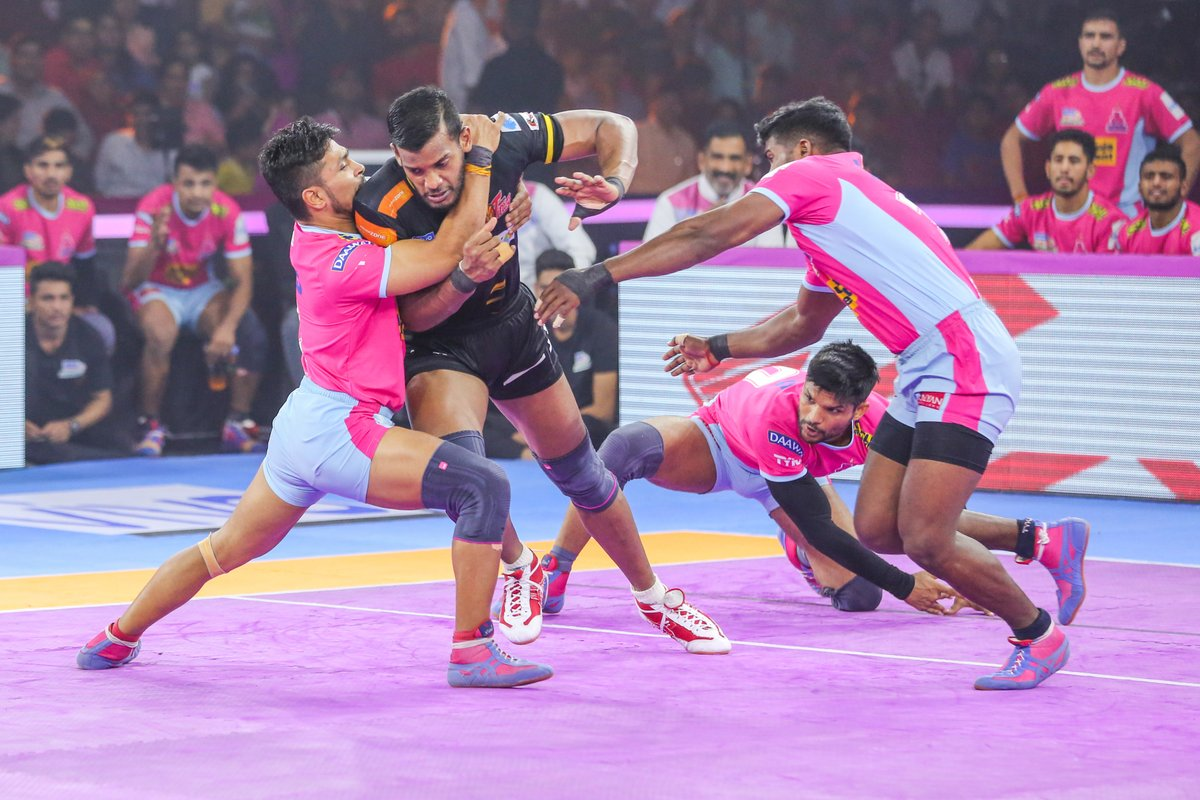 Be sure you put your feet in the right place, then stand firm.  #PantherSquad #JaiHanuman #TopCats #JaipurPinkPanthers #JPP #Jaipur #vivoprokabaddi