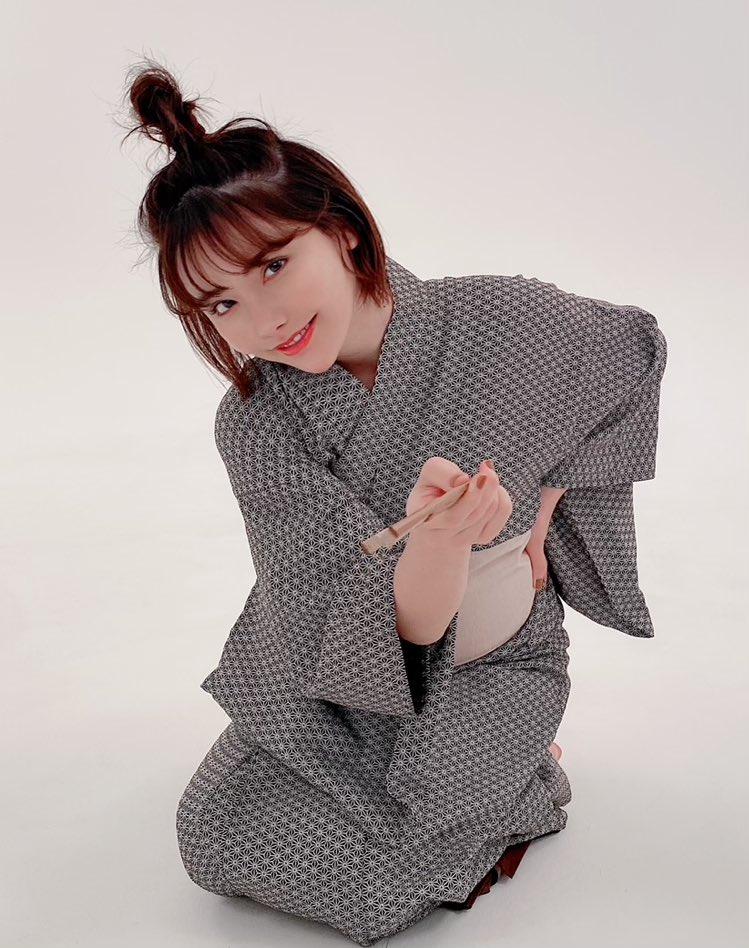 深田えいみ こんにちは!大喜利AV女優ですh 1