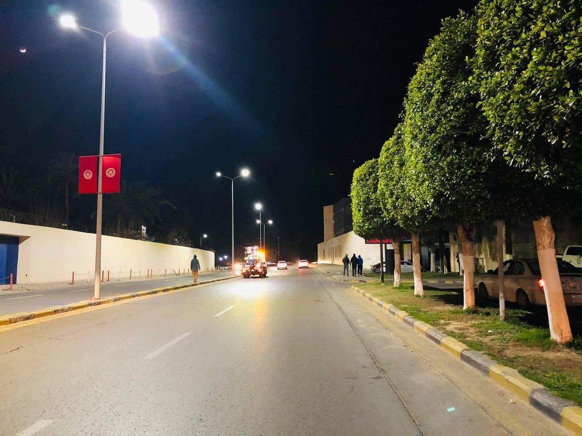استعدادات في العاصمة طرابلس لزيارة رئيس تونس قيس سعيّد الذي يُؤدي زيارة رسمية غداً الأربعاء إلى ليبيا