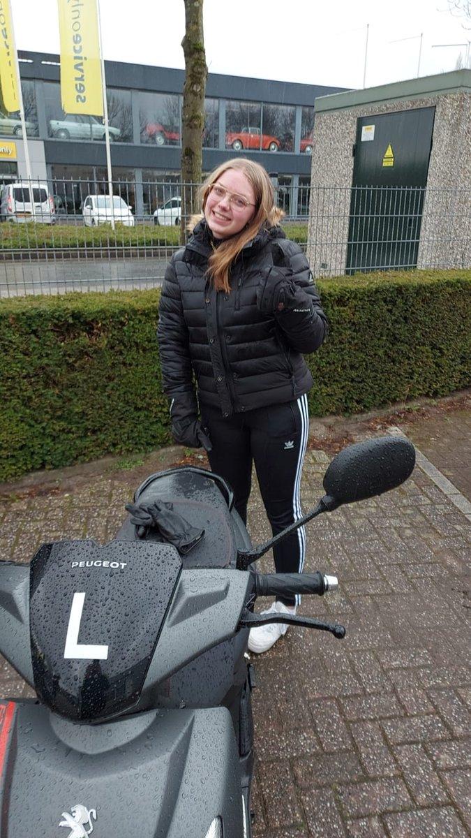 test Twitter Media - Jemaine Leendertse kan haar scooter-rijbewijs gaan aanvragen bij de gemeente. Gefeliciteerd en veel veilige kilometers gewenst https://t.co/5Hg8uHfdUw