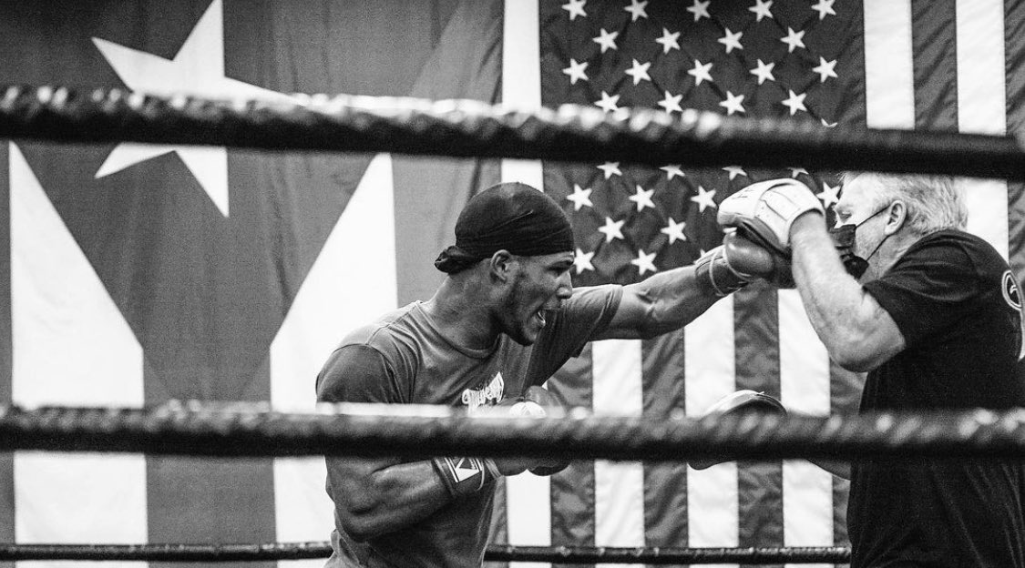 Coming for the win on May 22nd @elvisTDK @trboxing @espn #TheDominicanKid #TeamTDK @FreddieRoach @BennyLieblein @WCBstore #wildcardboxing #boxing #family #fightfamily #boxer #fighter #trainer #training #camp #fightlife 📸 @RodneyPinz https://t.co/lhZu4M2Rj0