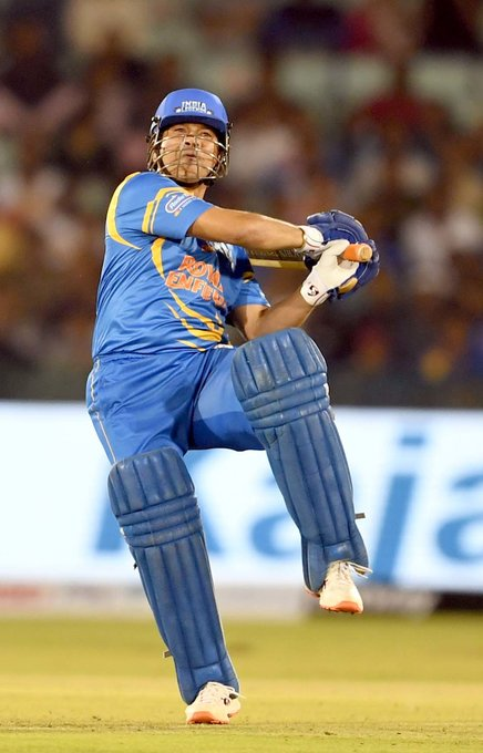 Yuvraj Singh again rained sixes, 13 sixes were rooted in history, Yusuf Pathan showed stars to the bowlers