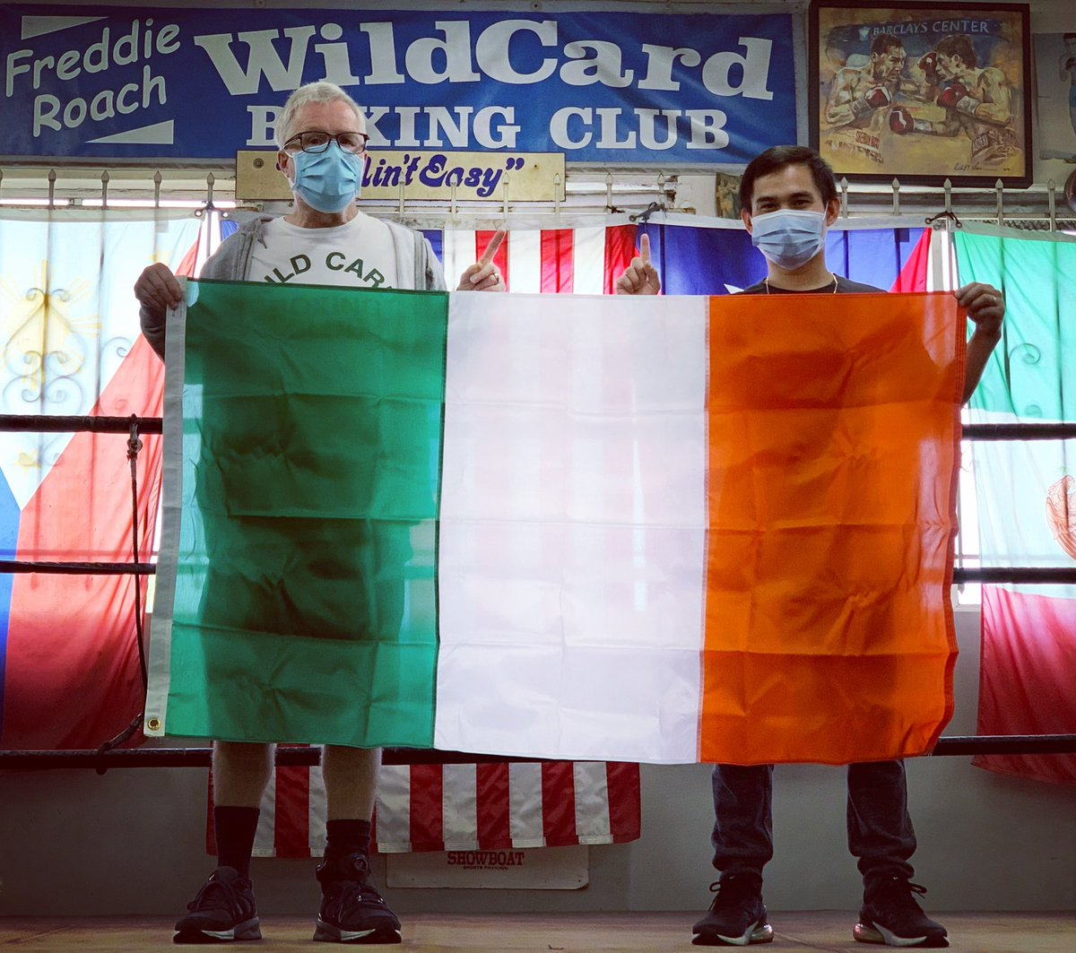 I did not forget - Happy St. Patrick's Day! @WildCardBoxing1 @Aaronmckenna99 @stevie_mckenna #CallumWalsh @KnuckleheadSean #MarvinSomodio @PepeReillyBox @WCBstore #StPatricksDay #wildcardboxing #wildcardboxingclub #LuckOfTheIrish #Ireland #Irish https://t.co/6KMlrPEpAU