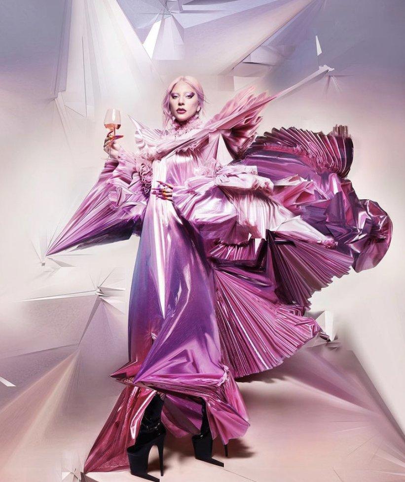 "𝗢𝗛𝗛 𝗠𝗬 𝗚𝗔𝗚𝗔 ❤️ on Twitter: ""#NUEVO | Nueva imagen de Lady Gaga por  Nick Knight para Dom Perignon. #CHROMATICA… """